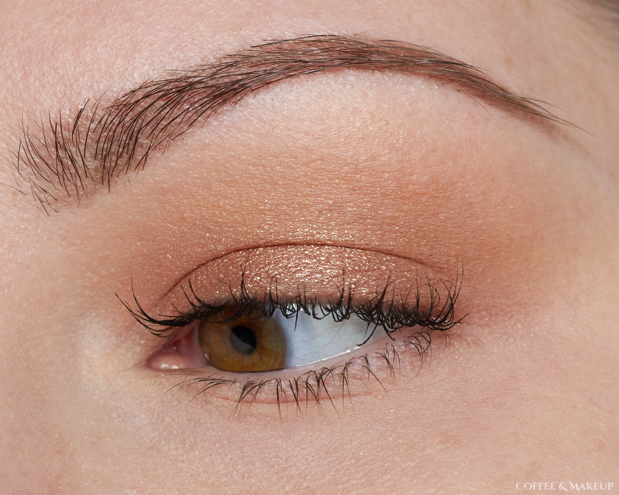Discover These 3 Simple Eyeshadow Looks for a Busy Lifestyle